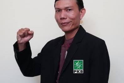 Aurego Aktifis Parlemen Jalanan,  Bersama PKB Menuju Parlemen