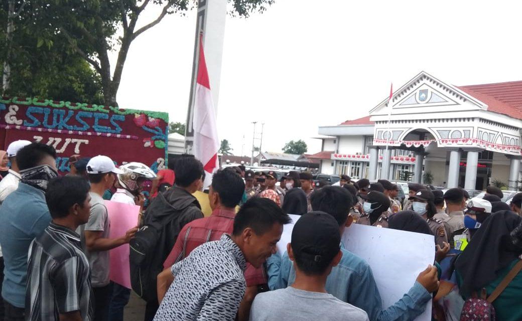 HUT Kota Argamakmur, SERBU Kembali Demo Bupati