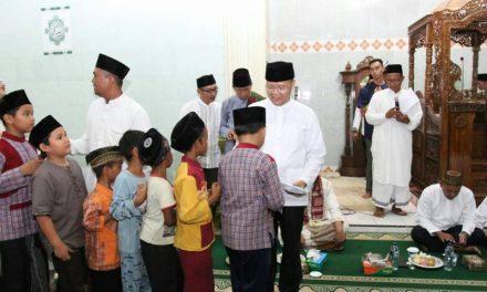 Gubernur Ajak Masyarakat Lebong Untuk Tingkatkan Ketaqwaan di Bulan Ramadhan